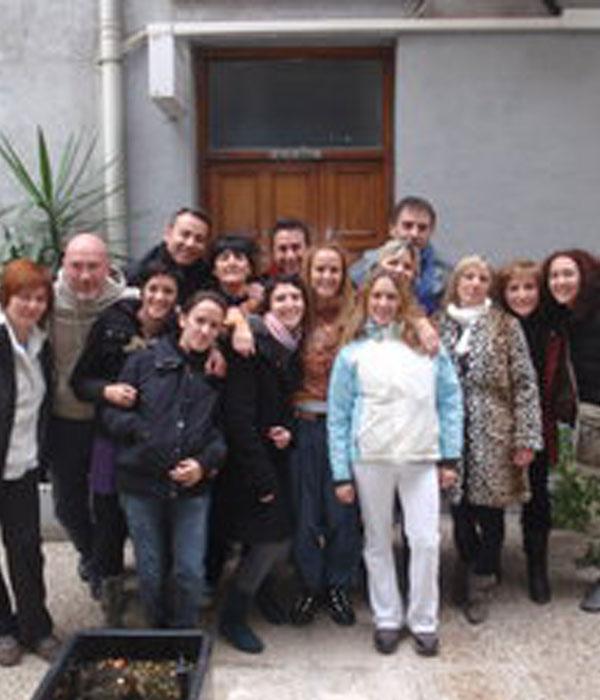grupo de personas que hicieron el taller de meditaciones activas Osho en Madrid